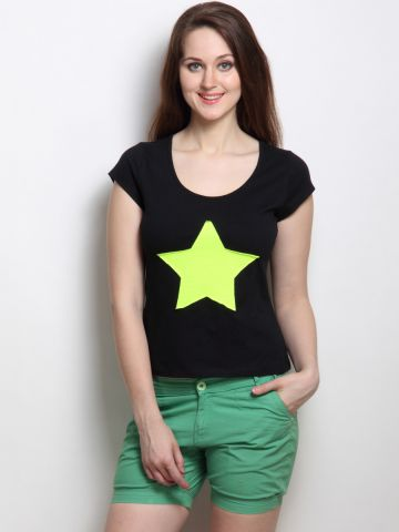 https://d38jde2cfwaolo.cloudfront.net/103682-thickbox_default/rigo-black-tee-neon-green-star.jpg