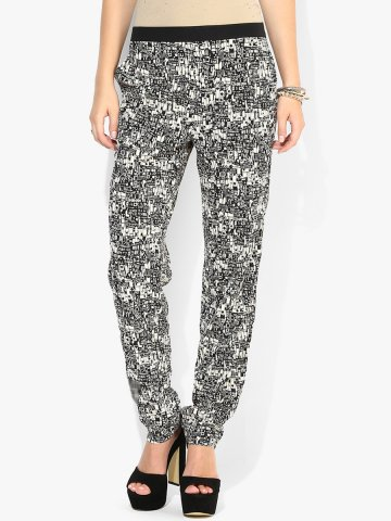 https://static5.cilory.com/135802-thickbox_default/i-know-black-trouser.jpg