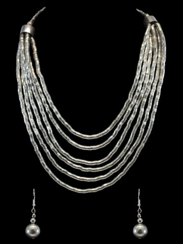 https://static8.cilory.com/157886-thickbox_default/beautiful-women-s-handicraft-neckwear-with-earring.jpg