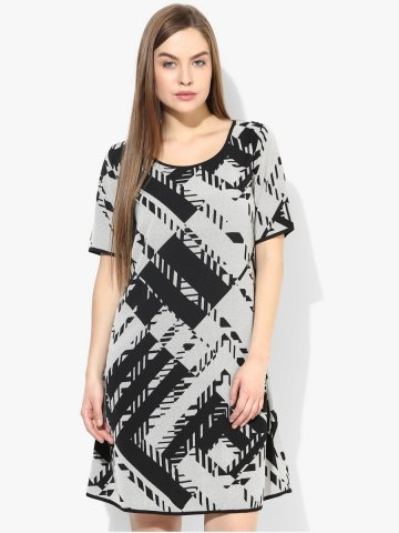 https://static2.cilory.com/170881-thickbox_default/iknow-black-white-dress.jpg
