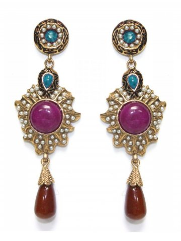 https://static4.cilory.com/187971-thickbox_default/ethnic-polki-work-earrings-carved-with-stone-and-beads.jpg