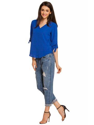 https://static6.cilory.com/207299-thickbox_default/royal-blue-v-neck-loose-fitting-blouse.jpg