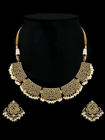 https://static1.cilory.com/408513-thickbox_default/golden-kundan-necklace-set.jpg