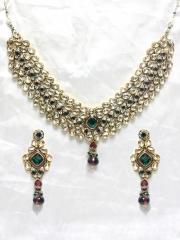 https://static9.cilory.com/44211-thickbox_default/ethnic-kundan-work-necklace-set-carved-with-stone-and-beads.jpg
