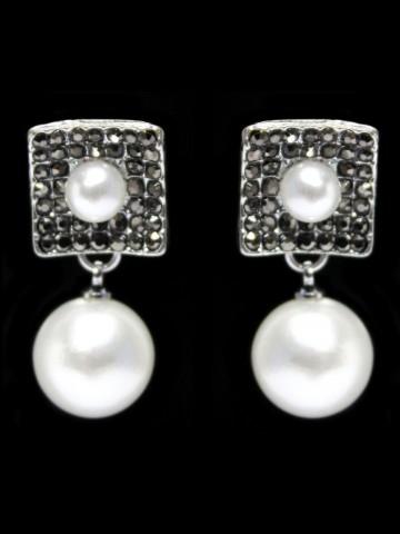 https://static1.cilory.com/49131-thickbox_default/designer-handicraft-earring.jpg