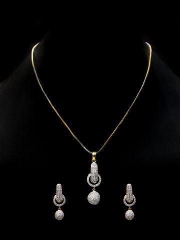 https://d38jde2cfwaolo.cloudfront.net/96016-thickbox_default/venicia-series-american-diamond-pendant-set.jpg