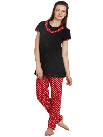 https://static2.cilory.com/96387-thickbox_default/black-half-sleeve-top-with-pyjama.jpg