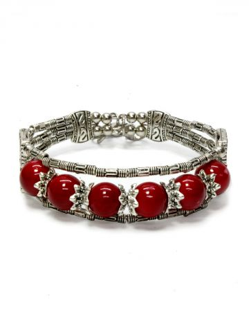 https://static.cilory.com/97568-thickbox_default/red-handicraft-metal-perals-bracelet.jpg